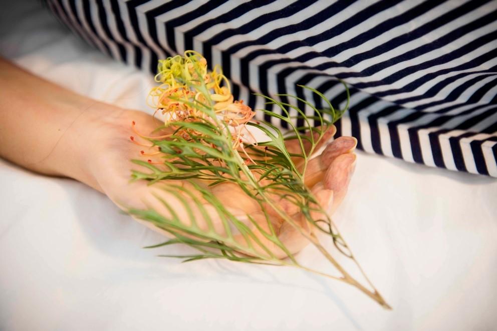 catholdingflower